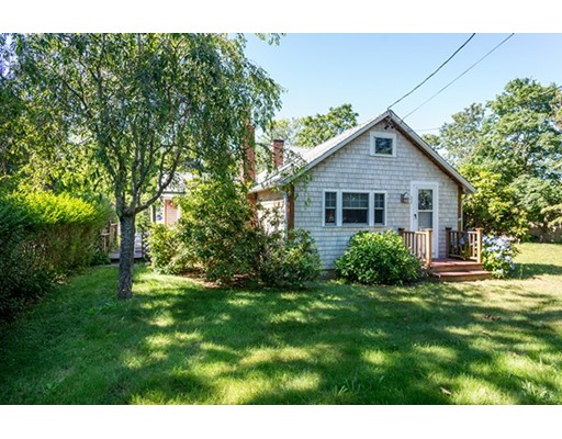 Single Family Home for Sale at 31 W Tisbury Road Edgartown, Massachusetts 02539 United States