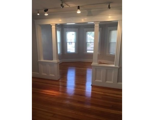 Additional photo for property listing at 42 Lincoln  North Andover, Massachusetts 01845 Estados Unidos