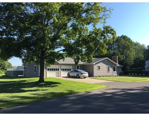 Частный односемейный дом для того Продажа на 9 Kelleher Drive Deerfield, Массачусетс 01373 Соединенные Штаты