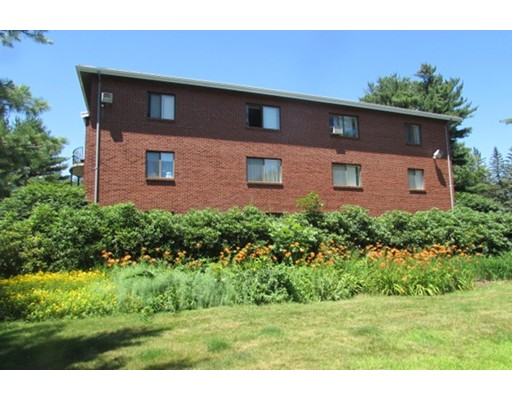 Single Family Home for Rent at 8 Longmeadow Drive Rowley, Massachusetts 01969 United States