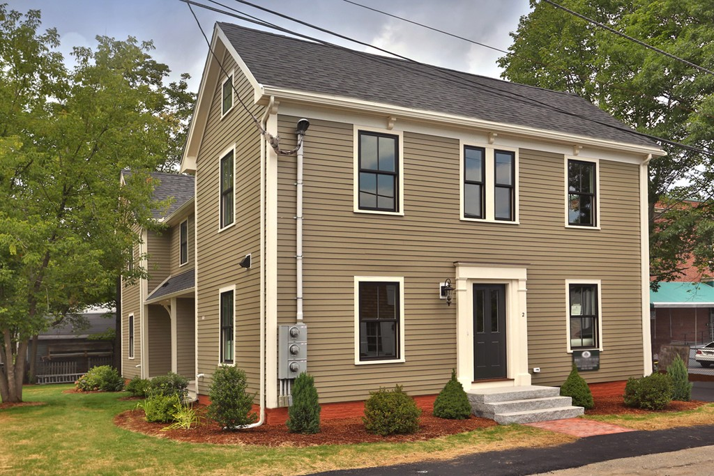 Property for sale at 2 Willow Ave Unit: 2, Newburyport,  MA 01950