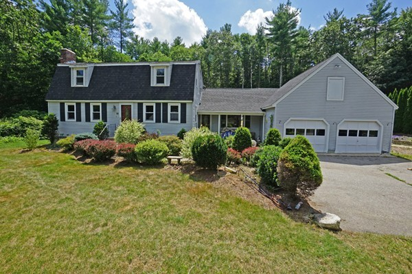 14 Woodland Dr, Townsend, MA, 01469 Photo 1