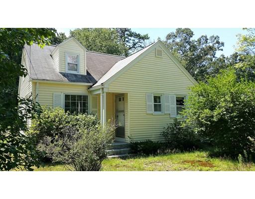 Casa Unifamiliar por un Venta en 32 Lyn Drive Granby, Massachusetts 01033 Estados Unidos