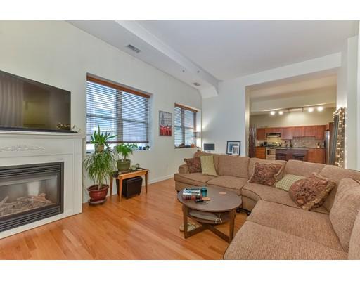 156-160 Chelsea St 103, Boston, MA 02128
