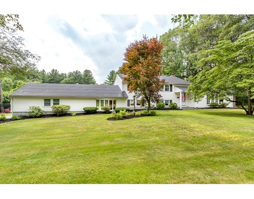 Single Family Home for Sale at 1170 Pond Street Franklin, Massachusetts 02038 United States