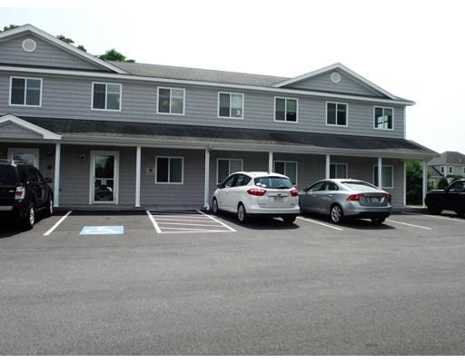 Additional photo for property listing at 1547 Fall River Avenue 1547 Fall River Avenue Seekonk, Massachusetts 02771 Estados Unidos
