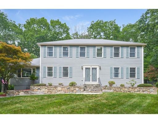 واحد منزل الأسرة للـ Sale في 4 Daniels Road Mendon, Massachusetts 01756 United States