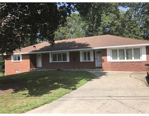 واحد منزل الأسرة للـ Sale في 137 Stevens Street 137 Stevens Street Ludlow, Massachusetts 01056 United States