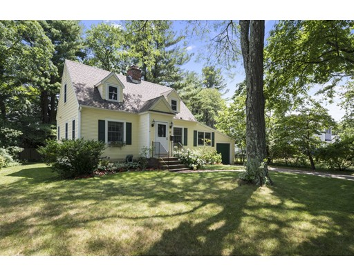 Single Family Home for Sale at 11 Duxbury Road Wellesley, Massachusetts 02481 United States