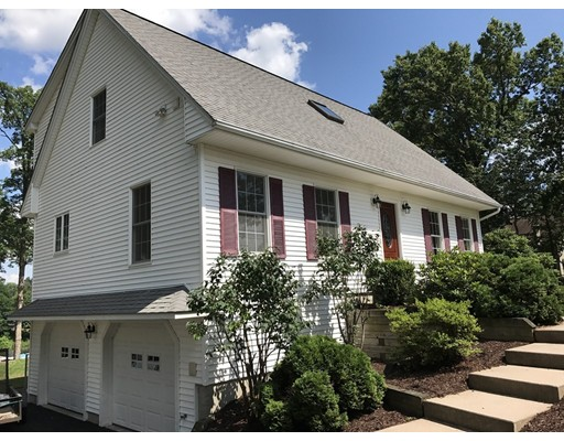 Single Family Home for Sale at 192 Berkshire 192 Berkshire Southwick, Massachusetts 01077 United States