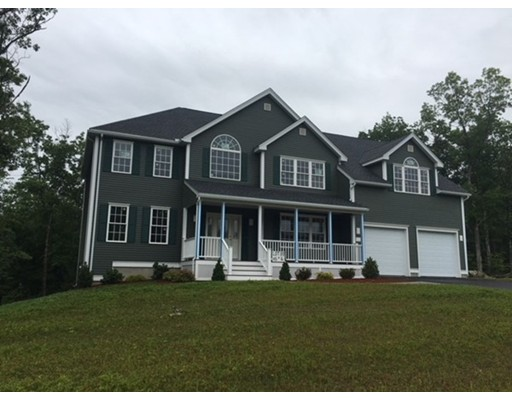 Single Family Home for Sale at 30 Mockingbird Hill Road 30 Mockingbird Hill Road Groton, Massachusetts 01450 United States