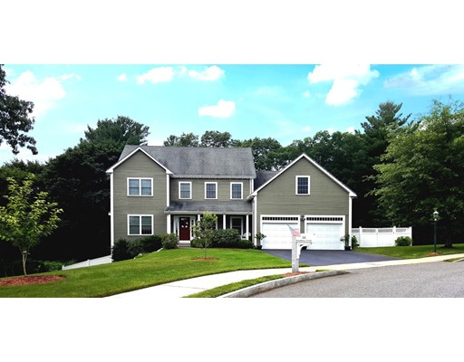 Casa Unifamiliar por un Venta en 12 Brookbury Circle Framingham, Massachusetts 01701 Estados Unidos