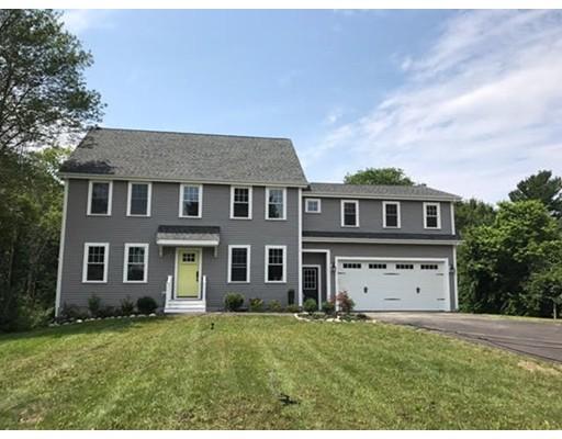 Частный односемейный дом для того Продажа на 43 Washington Street 43 Washington Street East Bridgewater, Массачусетс 02333 Соединенные Штаты
