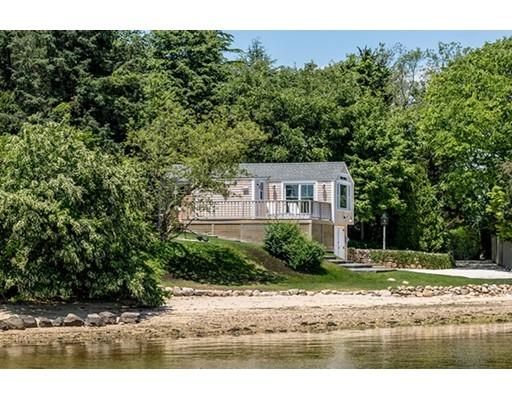 واحد منزل الأسرة للـ Sale في 61 Hines Point Road Tisbury, Massachusetts 02568 United States