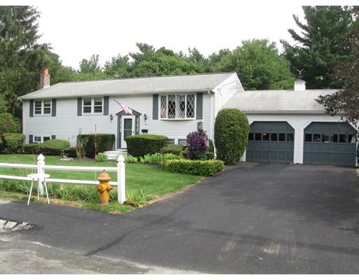 واحد منزل الأسرة للـ Sale في 203 Peregrine Road Abington, Massachusetts 02351 United States
