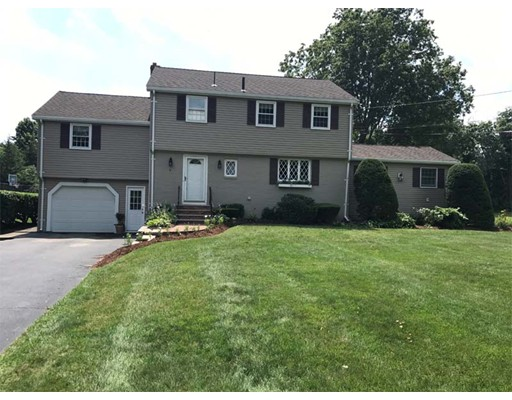 Single Family Home for Sale at 6 Hemlock Road Andover, Massachusetts 01810 United States