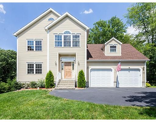 Частный односемейный дом для того Продажа на 10 Moss Street Burlington, Массачусетс 01803 Соединенные Штаты