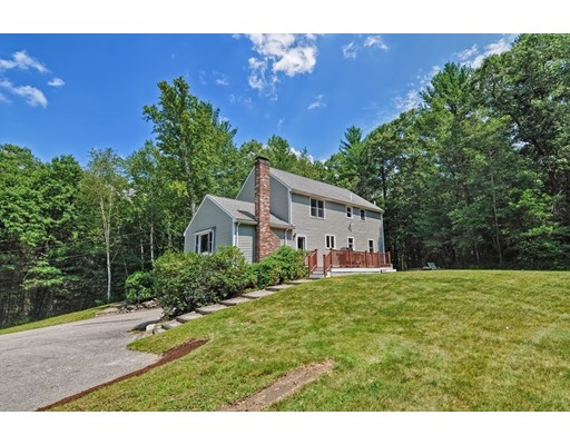 Single Family Home for Sale at 22 Robin Road Norfolk, Massachusetts 02056 United States