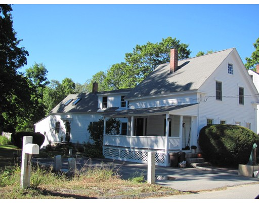 Single Family Home for Sale at 11 W Elm Street 11 W Elm Street Townsend, Massachusetts 01469 United States