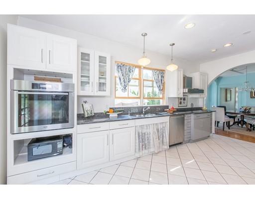 Maison unifamiliale pour l Vente à 352 Nahant Road 352 Nahant Road Nahant, Massachusetts 01908 États-Unis