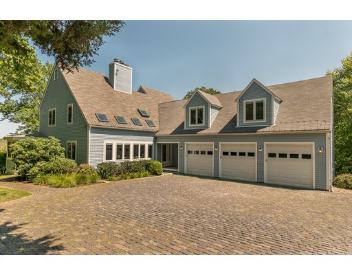 Single Family Home for Sale at 206 Moulton Street 206 Moulton Street Hamilton, Massachusetts 01982 United States