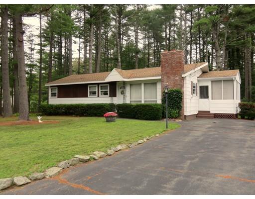 独户住宅 为 销售 在 9 Charles Street 乔治敦, 马萨诸塞州 01833 美国