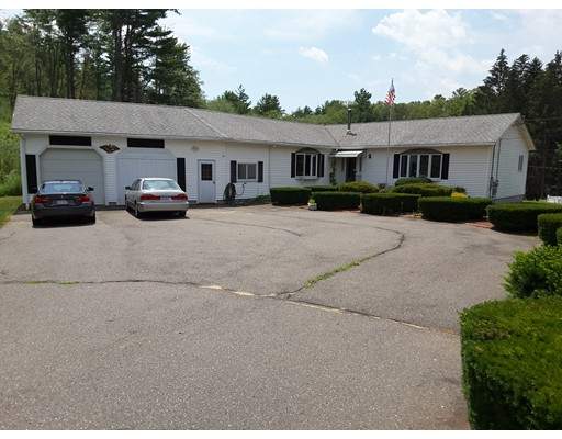 Maison unifamiliale pour l Vente à 14 Shady Path 14 Shady Path Ware, Massachusetts 01082 États-Unis
