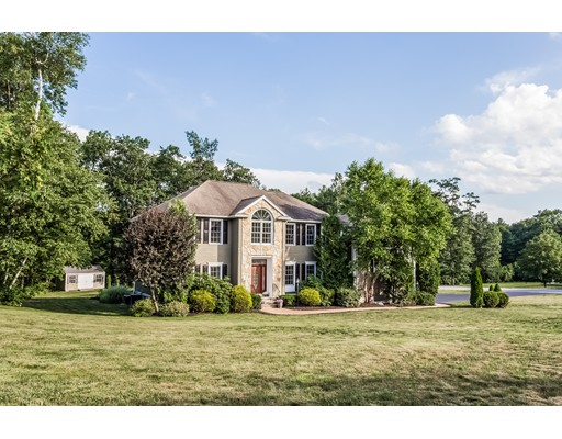 Single Family Home for Sale at 1 Lancelot Road Windham, New Hampshire 03087 United States