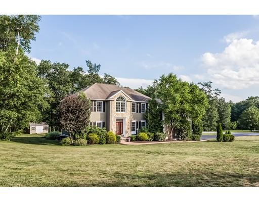 واحد منزل الأسرة للـ Sale في 1 Lancelot Road Windham, New Hampshire 03087 United States