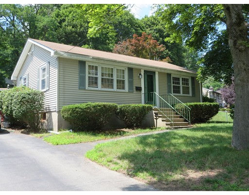 33 Belvidere Circle, Lowell, MA 01852