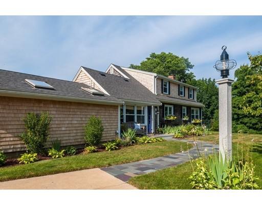 Частный односемейный дом для того Продажа на 216 Sandwich Street Plymouth, Массачусетс 02360 Соединенные Штаты