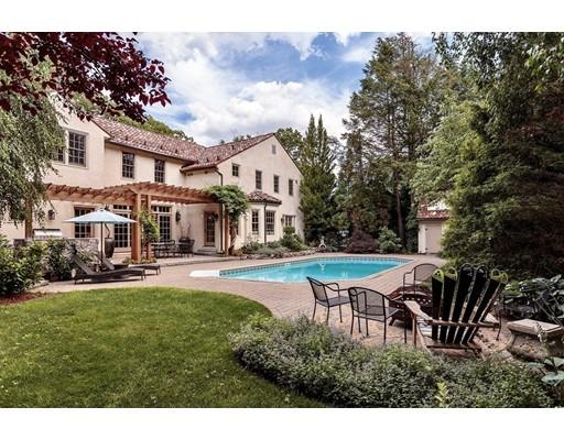 独户住宅 为 销售 在 35 Central Street 温彻斯特, 马萨诸塞州 01890 美国