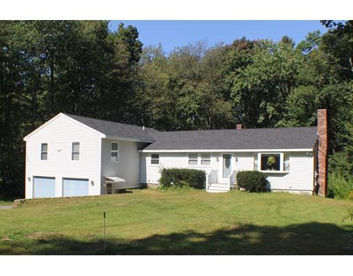 独户住宅 为 销售 在 8 Christine Drive 8 Christine Drive Atkinson, 新罕布什尔州 03811 美国
