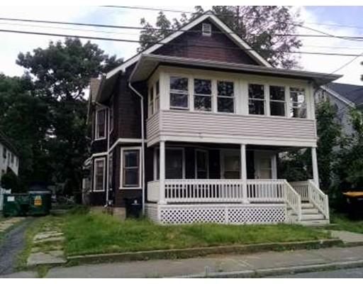 独户住宅 为 出租 在 18 Deloss 弗雷明汉, 01702 美国