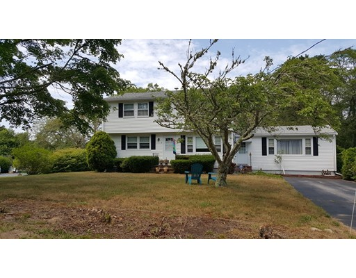 Single Family Home for Sale at 147 Freemans Way Brewster, Massachusetts 02631 United States