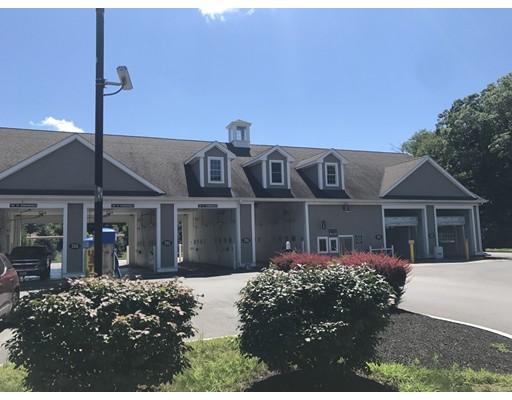 Commercial pour l Vente à 540 Winthrop Street Taunton, Massachusetts 02780 États-Unis