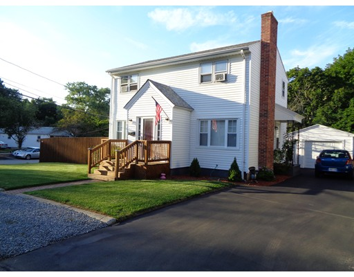 Single Family Home for Sale at 21 Lincoln Avenue North Providence, Rhode Island 02904 United States