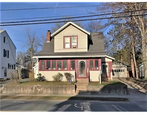 Casa Unifamiliar por un Alquiler en 141 Dwight Road East Longmeadow, Massachusetts 01028 Estados Unidos
