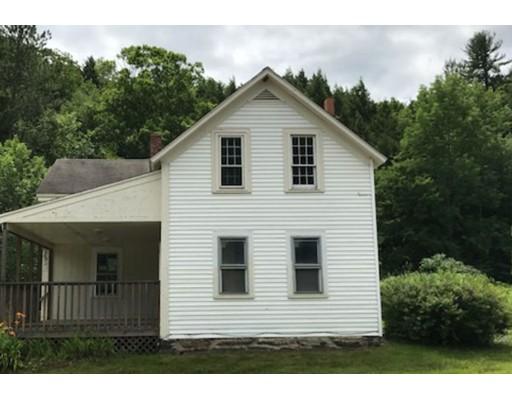 Casa Multifamiliar por un Venta en 20 Laurel Road 20 Laurel Road Huntington, Massachusetts 01050 Estados Unidos