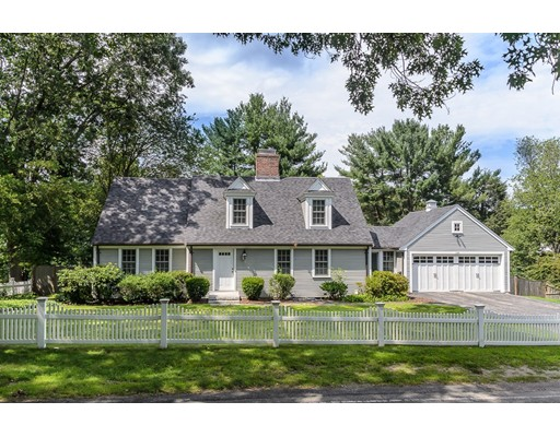 Single Family Home for Sale at 190 Oakland Street Wellesley, Massachusetts 02481 United States