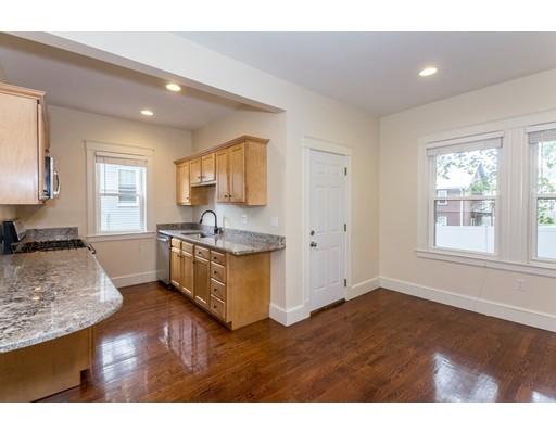 Частный односемейный дом для того Аренда на 36 Lawrence Street Everett, Массачусетс 02149 Соединенные Штаты