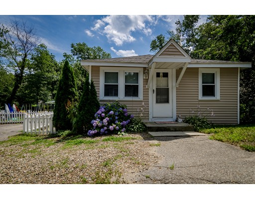 Single Family Home for Sale at 4 12Th Avenue Halifax, Massachusetts 02338 United States