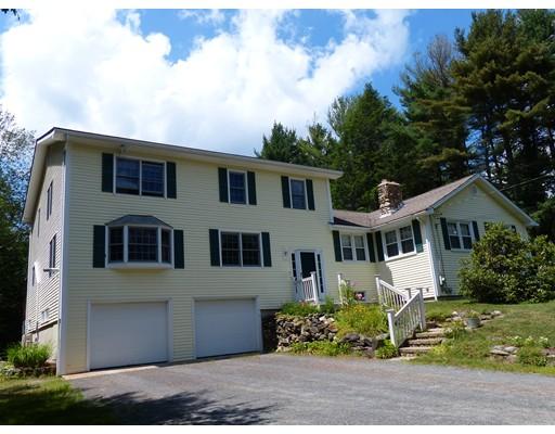واحد منزل الأسرة للـ Sale في 78 S Main Street New Salem, Massachusetts 01355 United States
