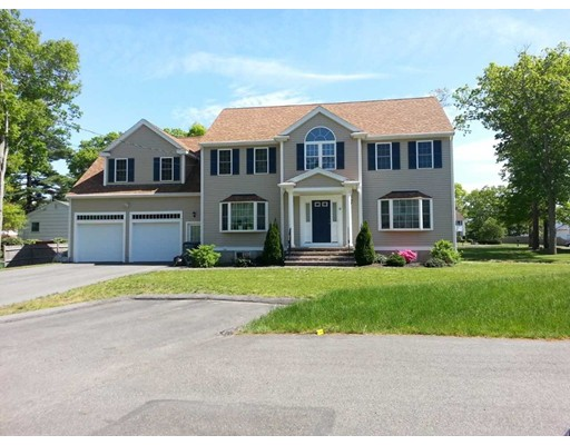 Single Family Home for Sale at 10 Oconnell Street Randolph, Massachusetts 02368 United States