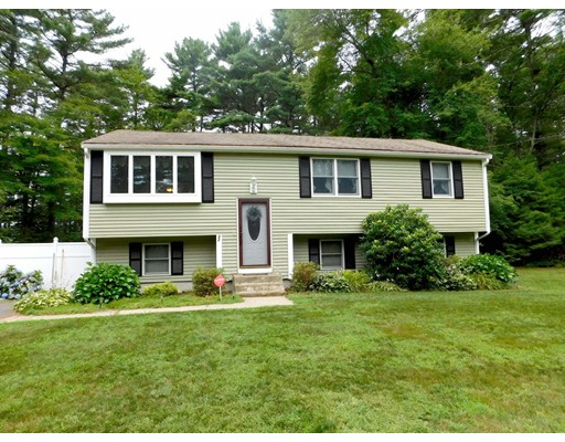Single Family Home for Sale at 32 Great Meadow Drive Carver, Massachusetts 02330 United States