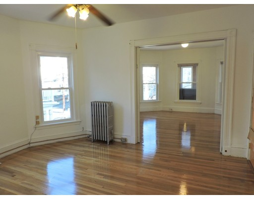 Additional photo for property listing at 62 Porter Road  Cambridge, Massachusetts 02140 Estados Unidos