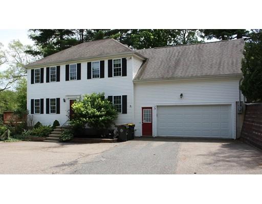 Maison unifamiliale pour l Vente à 43 North Main Street Bellingham, Massachusetts 02019 États-Unis