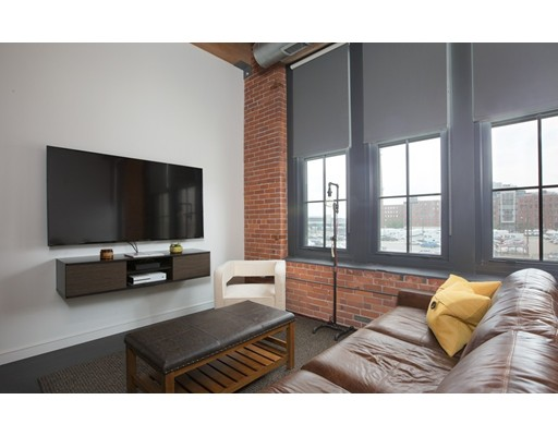 Additional photo for property listing at 319 A Street  Boston, Massachusetts 02210 Estados Unidos