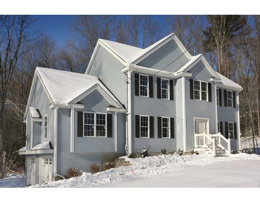 Single Family Home for Sale at 352 Center Street Groveland, Massachusetts 01834 United States