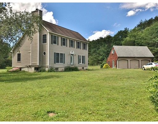 واحد منزل الأسرة للـ Sale في 214 Sawyers Crossing Road 214 Sawyers Crossing Road Swanzey, New Hampshire 03446 United States